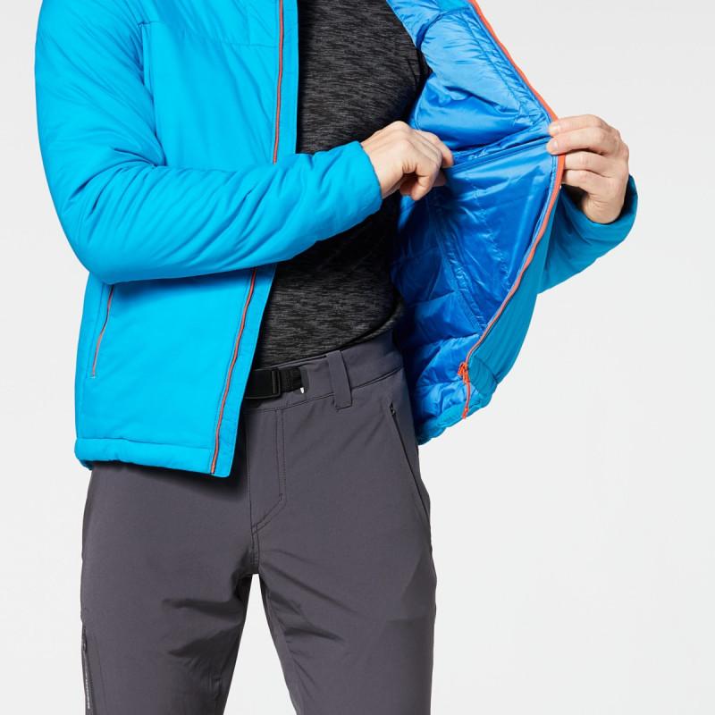 NORTHFINDER pánská zateplovací bunda Primaloft® Insulation Eco Black ESTEBAN - Primaloft® je jeden z nejvýkonnějších tepelně izolačních materiálů na trhu. Svými vlastnostmi (tepelná izolace, lehkost, prodyšnost a nadýchanost) se přibližuje chmýří. Speciálně navržená polyesterová vlákna nepohlcují vlhkost. Uživatel zůstává v suchu a teple i při extrémních podmínkách. Vynikající izolační bunda z voděodolného materiálu je vhodná na všechny outdoorové aktivity, spolehlivě vás zahřeje a zároveň vás neprofoukne.