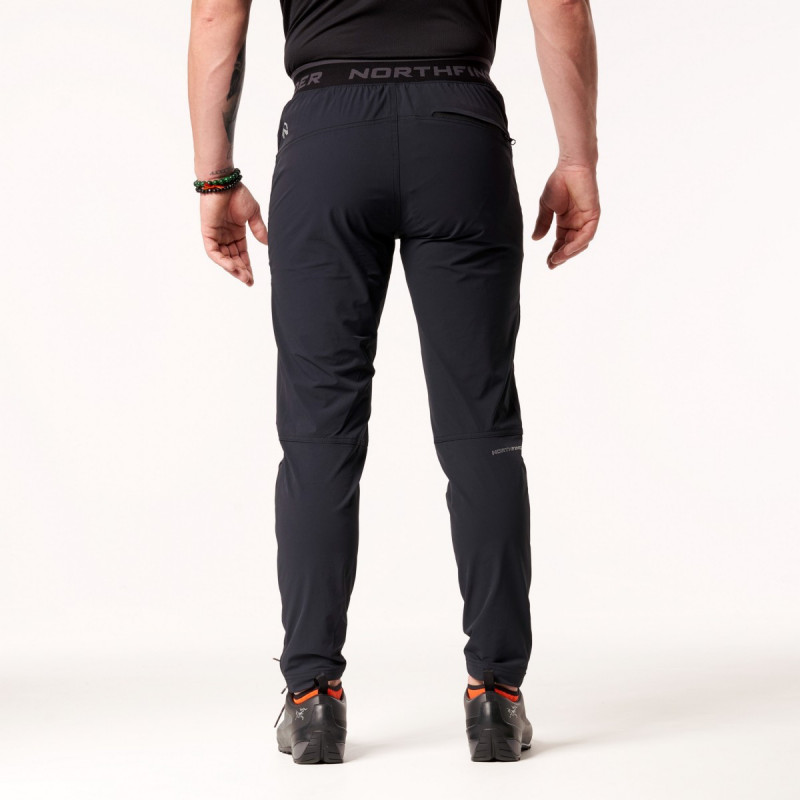 NORTHFINDER pánské kalhoty strečové s elastickým pasem 1 vrstvé AMIR - Technický lehký materiál zajišťuje kvalitní ochranu, odolnost a optimální regulaci tělesné teploty během outdoorových aktivit. Volnost pohybu zajišťuje pohodlný střih kalhot - tzv. mrkváče, zipové rozšíření nohavic ve spodní části. Kalhoty jsou vhodné na turistiku, outdoorové aktivity, volný čas i běžné nošení.