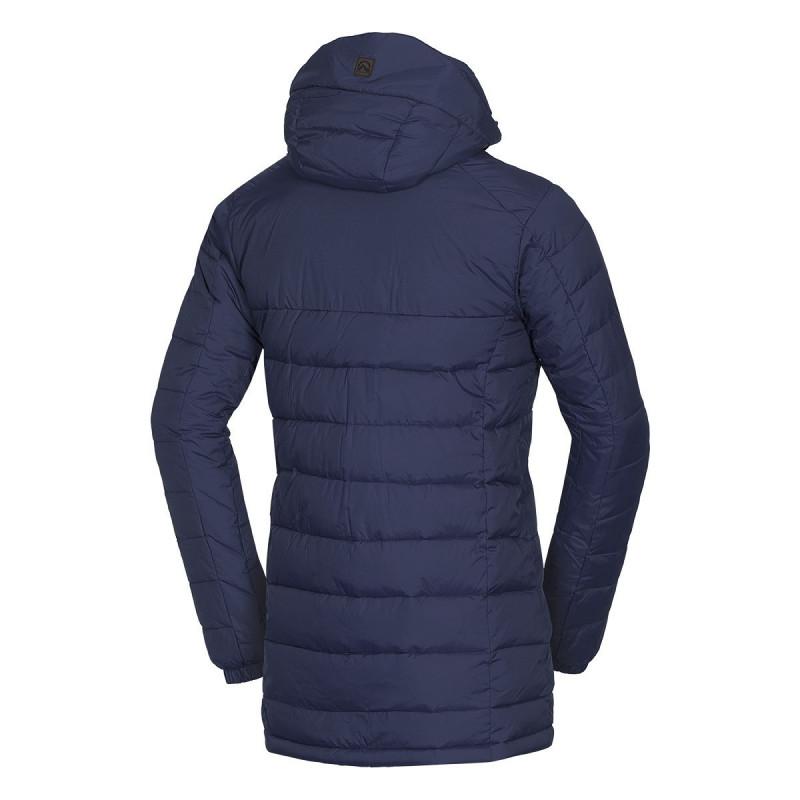 NORTHFINDER pánská městská bunda chladno dlouhého střihu EXTRA SIZE KAWOL - Moderní pánský kabát značky NORTHFINDER s akrylovým povlakem. Vnitřek této lehké bundy tvoří NF® izolace, která vytváří příjemný hřejivý pocit. Je dostatečně dlouhý, takže když se pro něco ohnete, vaše záda zůstanou stále schovaná. Dominantou je odepínací kapuce, kožené prvky či dekorativní šití. Tento model se vyrábí EXTRA SIZE, tj. je rozšířen do šířky, nikoliv do délky. Perfektní je zejména na běžné nošení, cestování nebo procházky v přírodě v zimě. Pocit zimy vás s bundou KAWOL nemůže překvapit.