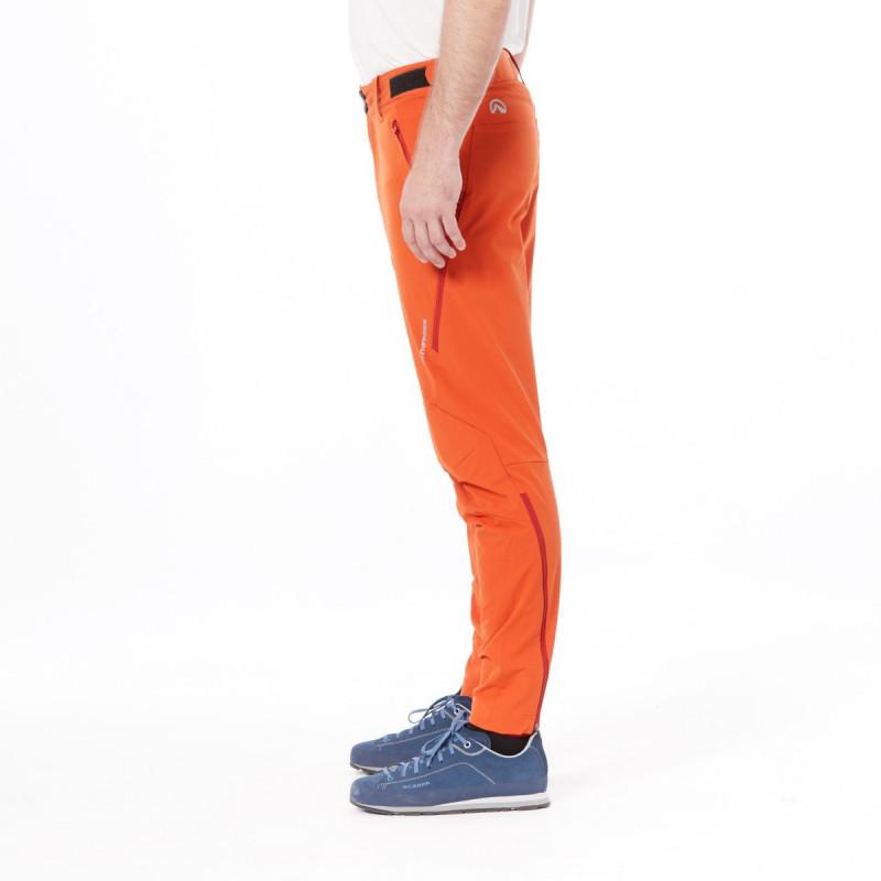 NORTHFINDER pánské kalhoty tkané-strečové pro outdoorové aktivity 1L DAFTY - Technický lehký materiál zajišťuje kvalitní ochranu, odolnost a optimální regulaci tělesné teploty během outdoorových aktivit. Volnost pohybu zajišťuje pohodlný střih kalhot - tzv. mrkváče, zipové rozšíření nohavic ve spodní části. Kalhoty jsou vhodné na turistiku, outdoorové aktivity, volný čas i běžné nošení.