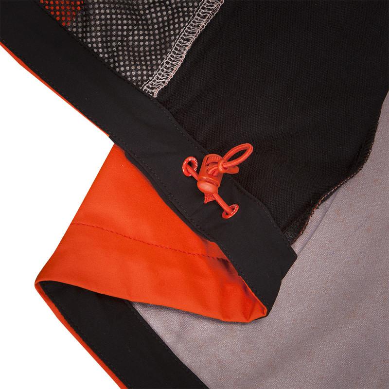 NORTHFINDER pánská vesta pevný-softshell 3L ESTEBHAN - Softsthellový materiál poskytuje výbornou prodyšnost a ochranu před větrem. Rovněž je voděodolný a oblečení poskytuje ideální ochranu během intenzivních aerobních aktivit v chladném počasí. Tento technický kousek si zamilujete, ať už se chystáte na výšlap do hor nebo jen na procházky krajinou.