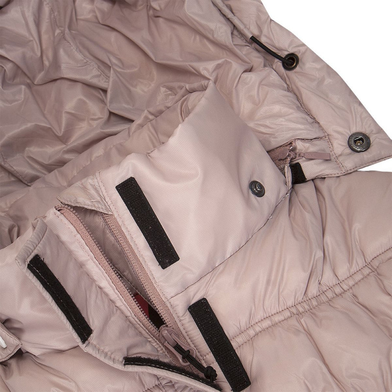 NORTHFINDER women's jacket HALLIE - Modern extended-cut coat with synthetic filling that has down-like shape and qualities. Tightening strap with buckle completes the coat's modern look. Protects from the cold even during snow showers. Perfect especially for casual wear, traveling, or walking in nature in the winter.